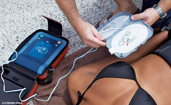 swimmer AED automated defribillator