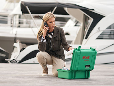 female boater calls DAN Boater's Medical Information Line with a first aid question